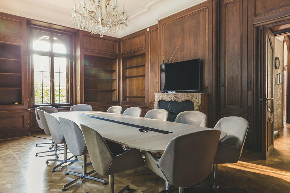vinohradsk coworkingov centrum k10 doplnil funk n n bytek zna ky wiesner hager bdln cz. Black Bedroom Furniture Sets. Home Design Ideas